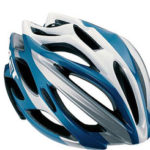 En bici, mejor con casco