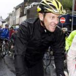 Lance Armstrong enganchado al Twitter