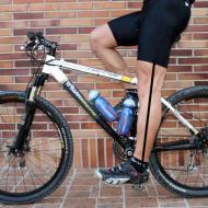 Así debe quedar la pierna si apoyamos el talón en el pedal